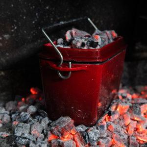 145-38 bread pot 2.2l red enamel